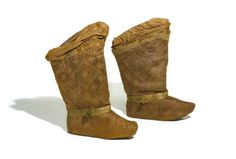 A pair of silk boots | Central Asia, circa 11th/12th century