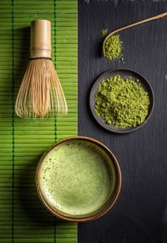 A Matcha Made in Heaven. If you're looking for an energy boost that's also packed with antioxidants and chlorophyll, matcha is your drink. Try our recipe for Matcha Tea Coconut Latte, a creamy treat that's too good to miss. Coconut Latte Recipe, What Is Matcha, Matcha Tea Benefits, Matcha Drink, Photo Food, Japanese Tea Ceremony, Tea Recipes, Drinking Tea, Holistic Nutrition