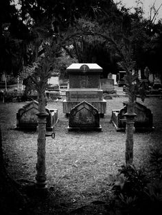 Tombs. Cemetery Headstones, Old Cemeteries, Cemetery Art, Graveyards, Gardens Of Stone, Creepy People, Graven Images, Journey's End, Tales From The Crypt