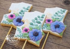 "Let's talk about the towers of ""Tangled""! My client was so sweet he just had one special request ! He wanted some of my sugar flowers on… Cookie Pops, Sweet Cookies, 1st Birthdays, Sugar Flowers, Let Them Talk, Towers, Tangled, Aurora, Instagram"