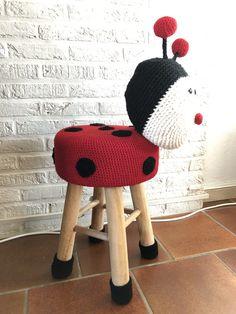 Patroon uit het boek: dierenkruk haken Knit Crochet, Crochet Hats, Knitting, Fashion, Paper Board, Knitting Hats, Moda, Tricot, Fashion Styles