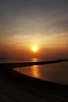 Maha besar allah menciptakan alam semesta dan isinya #sunset #beach