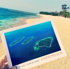 viagem-mundo-vó5 http://www.hypeness.com.br/2014/10/jovem-da-volta-ao-mundo-e-envia-um-cartao-postal-de-cada-lugar-que-visita-para-a-avo-de-84-anos/