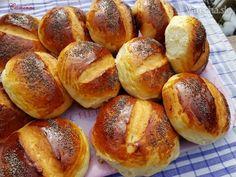 sk - recepty a videá o varení Bread Recipes, Cooking Recipes, Bread Dough Recipe, Bread And Pastries, Bread Rolls, Pretzel Bites, Food And Drink, Breads, Basket