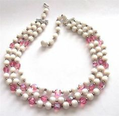 VINTAGE 50'S WHITE LUCITE PINK GLASS BEADED MULTI STRAND NECKLACE BEADS
