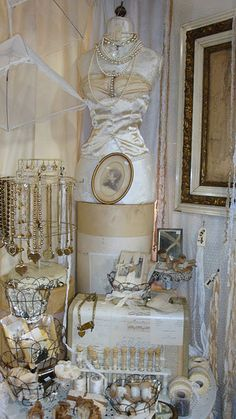 Shabby chic craft show booth display idea. - Shabby chic craft show booth display ideas shabby chic, craf - Craft Show Booths, Craft Booth Displays, Craft Show Ideas, Display Ideas, Booth Ideas, Window Displays, Art Ideas, Vintage Display, Market Displays