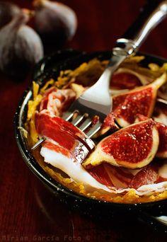 Ibérico ham and figs on potato nests : TAPAS!