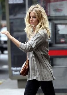 sienna millers gorgeous flowy hair style, so effortless