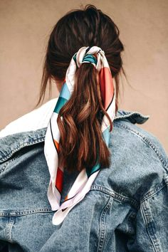 Beach Day Hair Inspiration scarf in ponytail Beach Day Hair, Hair Day, Your Hair, Girl Hair, Ways To Wear A Scarf, How To Wear Scarves, Corte Y Color, Inspiration Mode, Fashion Inspiration