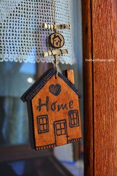 Decorazioni a forma di casetta in stile rustico!/ Rustic style house-shaped wooden decorations. #etsy #handmade #wood #home #rustic #madeinitaly #decorations #decor #crafts #fattoamano #decorazioni #legno #woodworking #casa #homedecor #etsyshop
