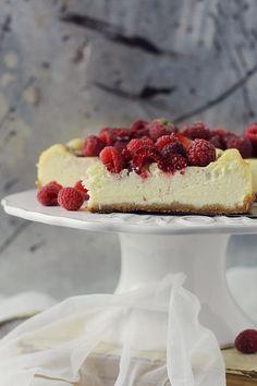 Cheesecake cu zmeura-Pasiune pentru bucatarie Something Sweet, Picnic, Cheesecake, Cooking Recipes, Desserts, Kitchens, Deserts, Tailgate Desserts, Cheesecakes