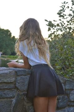 How to Chic: BLACK SKATER SKIRT