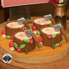 Toquinho caçador chapeuzinho vermelho mini bolos