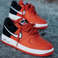 Sneaker Outfits, Nike Outfits, Converse Sneaker, Puma Sneaker, Tenis Nike Casual, Tenis Nike Air Max, Nike Air Shoes, Jordan Tenis, Nike Air Force Black