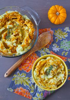 Super-creamy Yukon gold mashed potatoes, combined with melted butter and swirls of seasoned pumpkin puree. Perfect side dish for your Holiday meal!