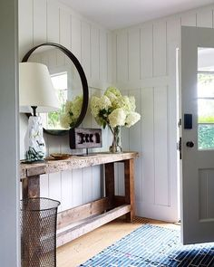Ways to Use the Shiplap LookBECKI OWENS Modern farmhouse entryway with reclaimed wood console, round mirror and white shiplap walls.Modern farmhouse entryway with reclaimed wood console, round mirror and white shiplap walls. Home Design, Design Ideas, 2017 Design, Design Design, Lobby Design, Design Trends, Interior Design Minimalist, Sweet Home, Decoration Inspiration