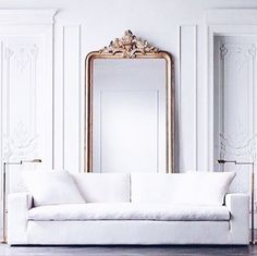 White and gold >>> Need this mirror in our lives.. Image via @katherine_val Reposted Via @stylebkofficial