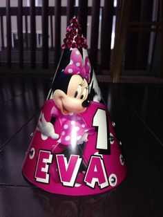 Minnie Mouse party hat dimadesignz