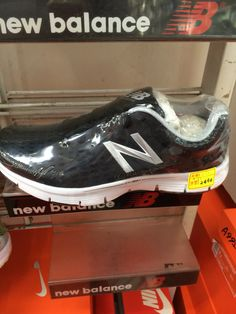 How come I wanna have 4th running shoes lol
