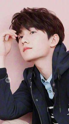 ⭐@Minmiogii⭐ Yang Chinese, Chinese Man, Chinese Wallpaper, Yang Yang Actor, Asian Love, China, Asian Actors, Korean Actors, Ji Chang Wook