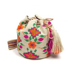 Bolso Wayuu Clutch Purse, Coin Purse, Tapestry Crochet Patterns, Knit Vest Pattern, Tapestry Bag, Boho Bags, Yarn Projects, Knitted Bags, Crochet Accessories