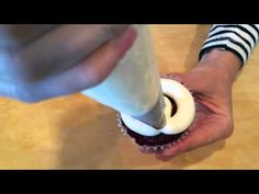 Covering Cupcakes with a Round Tip Swirl - YouTube