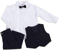 <b>Jocko Kostym 4 Delar Svart</b> är ett kit beståendes av fyra delar, ett par svarta byxor, en svart väst med tre knappar, svart fluga och en vit skjorta. Plaggen är bekväma och av god kvalité. Passar perfekt vid julfirandet och andra festliga tillfällen.<br><br><br><br>Jocko är ett danskt företag som har tillverkat festkläder för småbarn och barn upp till 16 år sedan 1997.<br><br><br><br><br><br>Färg: Svart, Vit.
