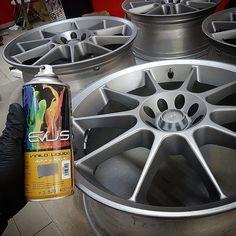 Con el #viniloliquido podemos lograr un acabado tan bueno como el de estas #llantas que hemos pintado para un #fordfiesta. Hemos usado nuestra marca favorita... Evus! www.101racing.es #wheels #cars #car #rims #tires #speed #racing #race #road #engine #sportscar #wheel #street #ride #exotic #carporn #horsepower #drive #vehicle #exoticcars #rim #exoticcar #tire #vehicles #sportscars