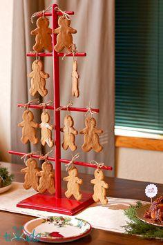 Gingerbread Men Ornament Trick   TikkiDo.com