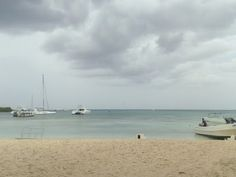 Today is a bit cloudy inBayahibe, but still hot. Do you know that you can get burned even when is like this?