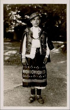 Folk Clothing, Heart Of Europe, Old Photos, Culture, Embroidery, History, Country, Children, Recipes