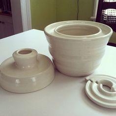 Small white porcelain waterlock fermentation jar by Ceruleanblue Ceramic Jars, Ceramic Tableware, Ceramic Pottery, Kitchenware, Fermenting Jars, Fermentation Crock, Kimchi, Stoneware Crocks, Pottery Designs