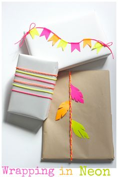 ✂ That's a Wrap ✂ diy ideas for gift packaging and wrapped presents - neon wedding gift - brides of adelaide magazine Wrapping Gift, Gift Wraping, Creative Gift Wrapping, Creative Gifts, Wrapping Ideas, Pretty Packaging, Gift Packaging, Easy Diy Gifts, Homemade Gifts