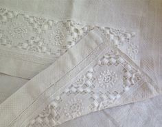 Linen Hand Towel with Upcycled Vintage Lace by marypearlsvintage