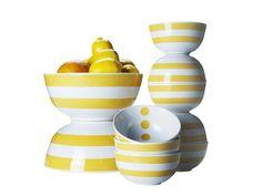 Tragam o sol para dentro de casa e para cima da mesa - o amarelo ajuda :)