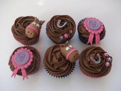 horse cupcakes found on facebook - not sure of original creator but CUTE CUTE! Look easy enough!