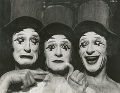 Le mime ~ Marcel Marceau ~ 1976 ~ Photograph by Jack Mitchell ~ from drouot Marcel, Mime Marceau, Art Of Silence, August Strindberg, Drama Education, Pierrot Clown, Teaching Theatre, High School Drama, Pantomime
