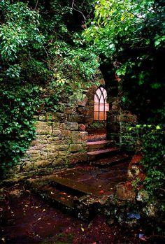 bluepueblo:    Entryway, Ruthin Castle, United Kingdom  photo via nevean