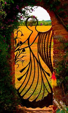 what a beautiful garden gate ~