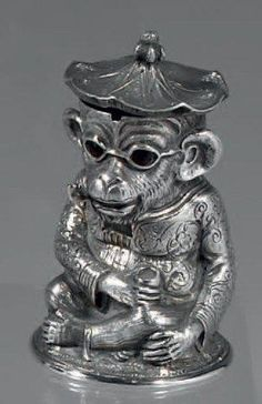 1875-1876 Silver Mustard in form of monkey dressed as a chinaman with glasses. London - Thierry de Maigret