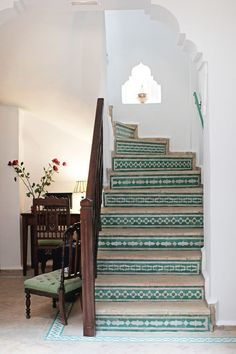 The beautiful design of your home staircase can be added using some beautiful tiles too. The staircase tiles will not only decorate the stairs but also become a symbol of your home stylish style. Tiled Staircase, Tile Stairs, Staircases, Entry Stairs, Wooden Stairs, Moroccan Design, Moroccan Decor, Moroccan Lanterns, Moroccan Bathroom