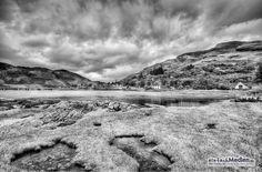 Loch Duich, Schottland /  – Im Hintergrund das Dorf Dornie » #LochDuich #Dornie #Schottland #Landschaft #Landschaftsfotografie #Fotografie #einfachMedien #Fotograf #Nikon #Bildbearbeiter #JoergSchumacher #myfavpicoftheweek #Scotland #Landscape #Landscapephotography #Photography