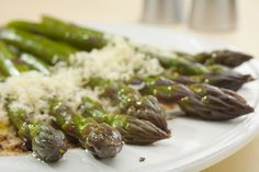 Garlic Roasted Asparagus with Parmesan cheese and Balsamic Vinegar! Yum!   #bakerette #vegetables #side dish