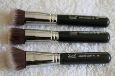 On my wish list: MAC and Sigma makeup brushes!!