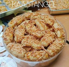 Discover recipes, home ideas, style inspiration and other ideas to try. Dessert Packaging, Cookie Packaging, Soft Bread Recipe, Bread Recipes, Cokies Recipes, Indonesian Food, Creative Food, Diy Food, Food And Drink