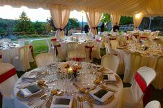 Montaje de carpa para una boda