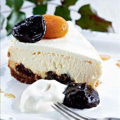 Jouluinen juustokakku, cheesecake for X-mas Xmas Desserts, Dessert Recipes, Finnish Recipes, Sweet Pastries, Sweet And Salty, Christmas Baking, Merry Christmas, I Love Food, Yummy Cakes