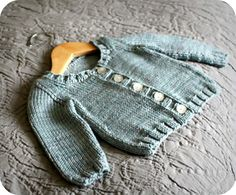 Cute little baby cardigan, perfect for a boy or girl, and from one of my favorite designers.  Pattern Name: Basic Baby Cardigan Free Pattern by: Alana Dakos