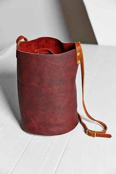 Neva Opet Leather Bucket Bag - Urban Outfitters