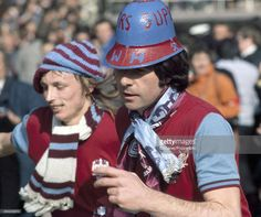 alan-taylor-and-bobby-gould-of-west-ham-united-celebrate-their-in-picture-id454248570 (1024×856)